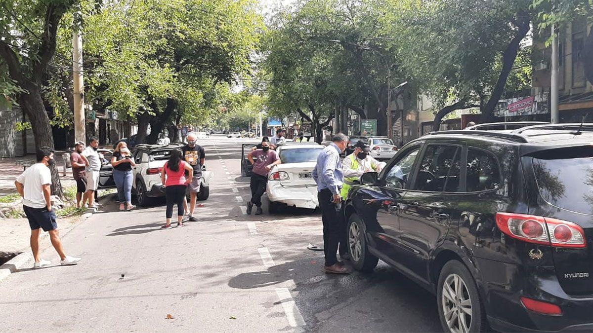 Un choque quíntuple sacudió la mañana mendocina y generó caos vehicular