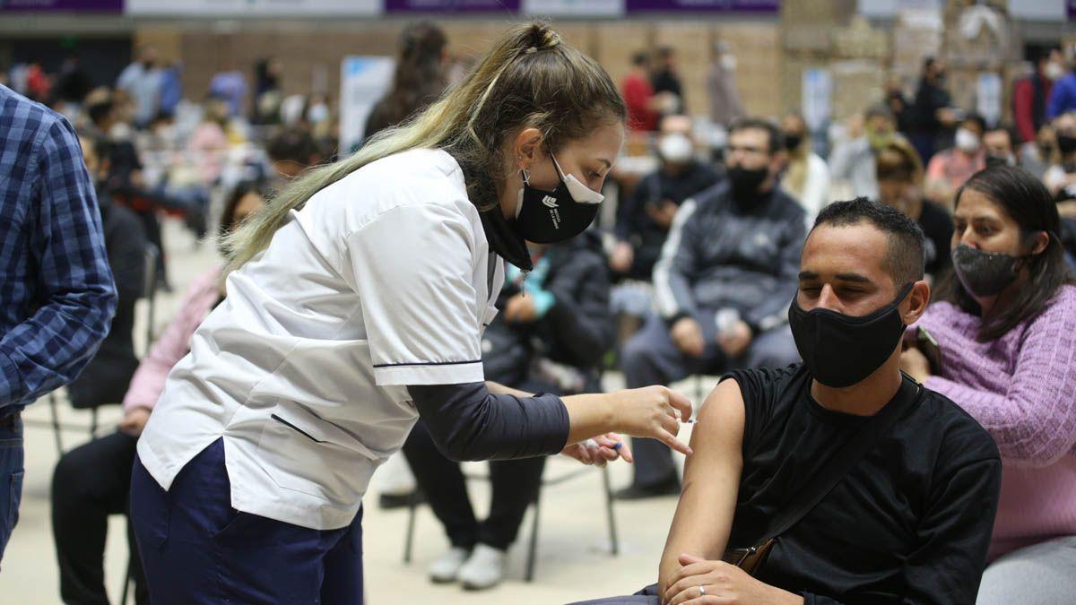 Vacunación en Mendoza contra el Covid: es el turno de los mayores de 45 años