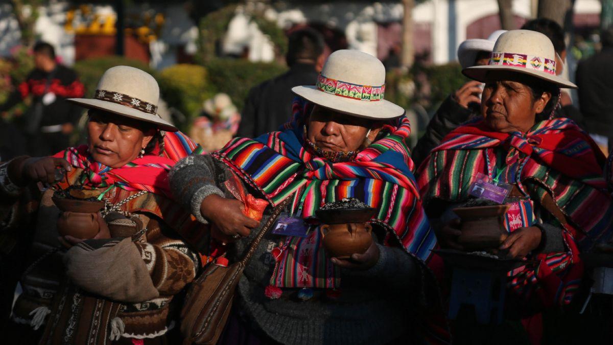 El color y la emoción del pueblo en la asunción de Luis Arce