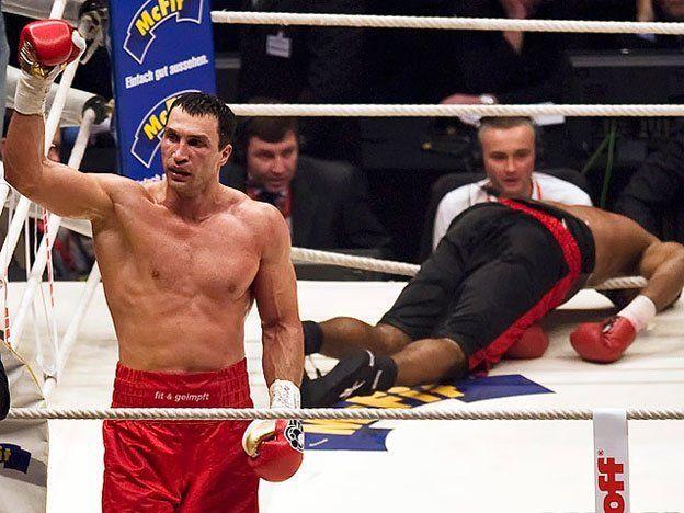 Klitschko defenderá su corona de los pesos pesados en mayo