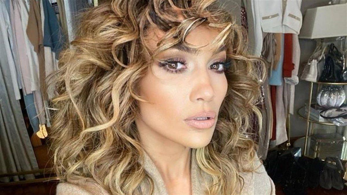 Jennifer Lopez mostró su lomazo y arrasó.
