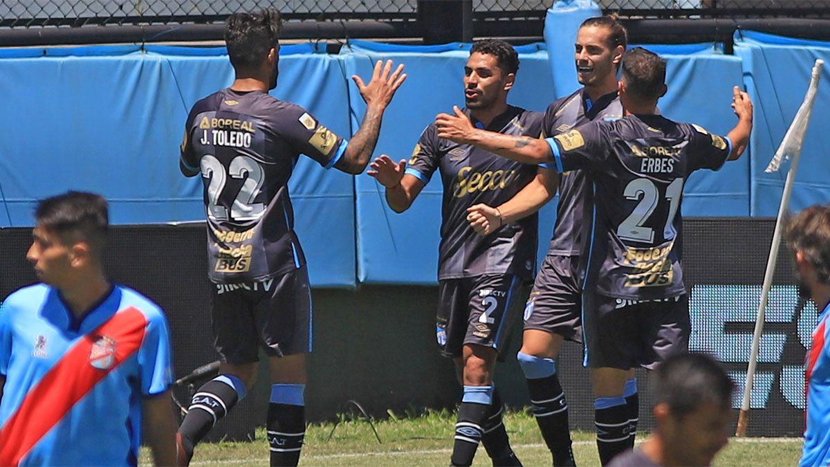 Atlético Tucumán logró un agónico triunfo sobre Arsenal