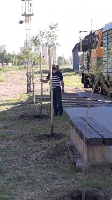 El miércoles 10 de marzo de 1993 salía desde Mendoza el último tren de pasajeros hacia Retiro. Una fundación intenta mantener viva la esperanza del regreso