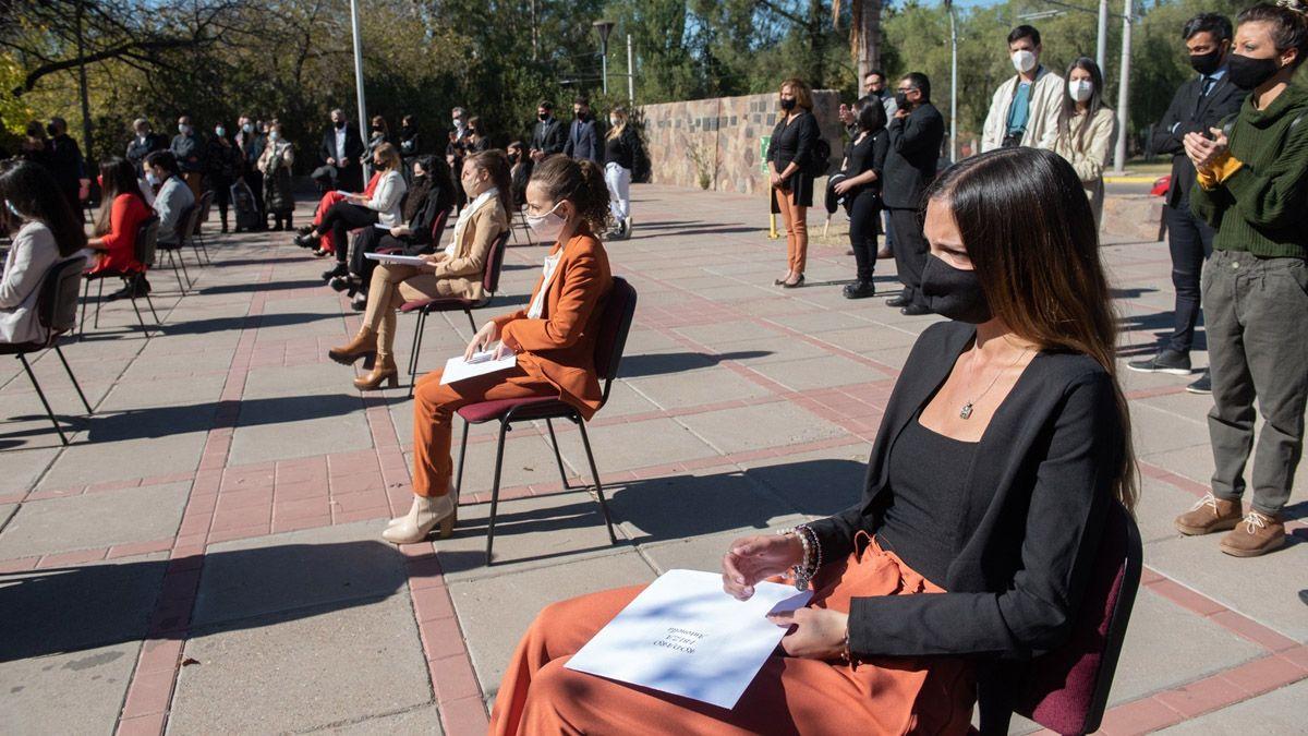 Son 106 los nuevos médicos y médicas egresado de la UNCuyo que prestaron juramento.
