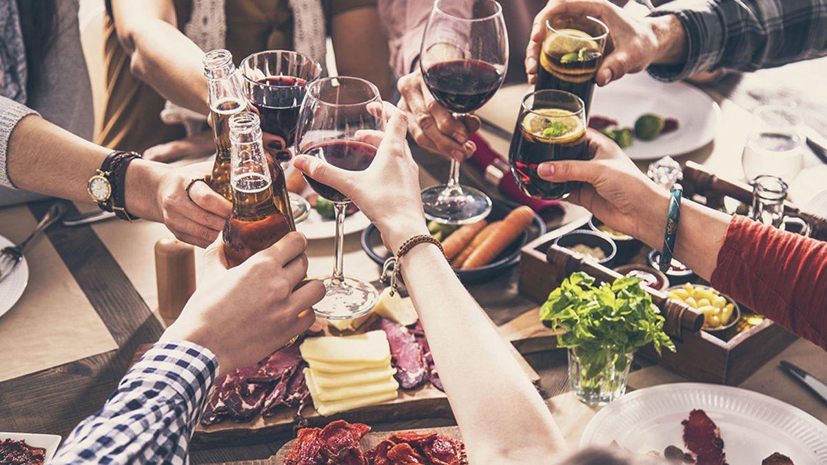 Qué pasará con las reuniones familiares y de amigos en Mendoza