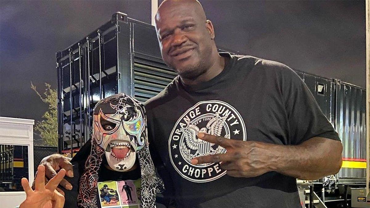 Video: Shaquille ONeal debutó en lucha libre y se estrelló contra una mesa
