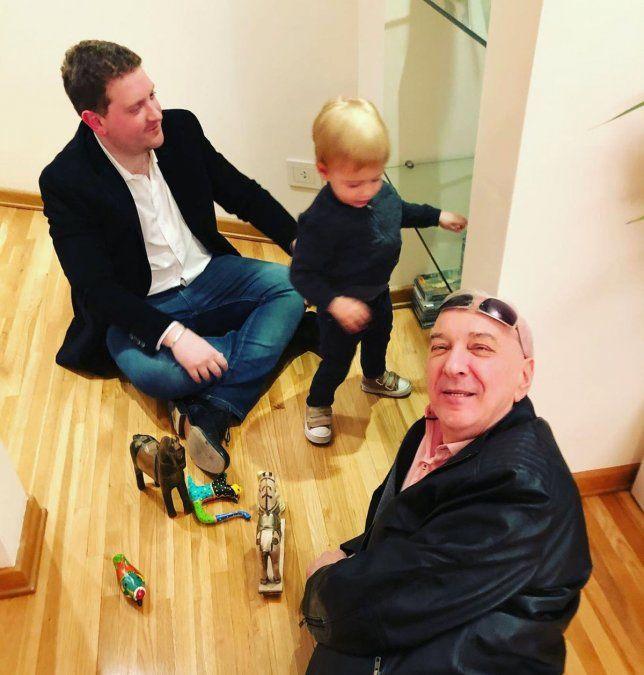 Jonatan Viale está aislado y sus hijos tienen coronavirus