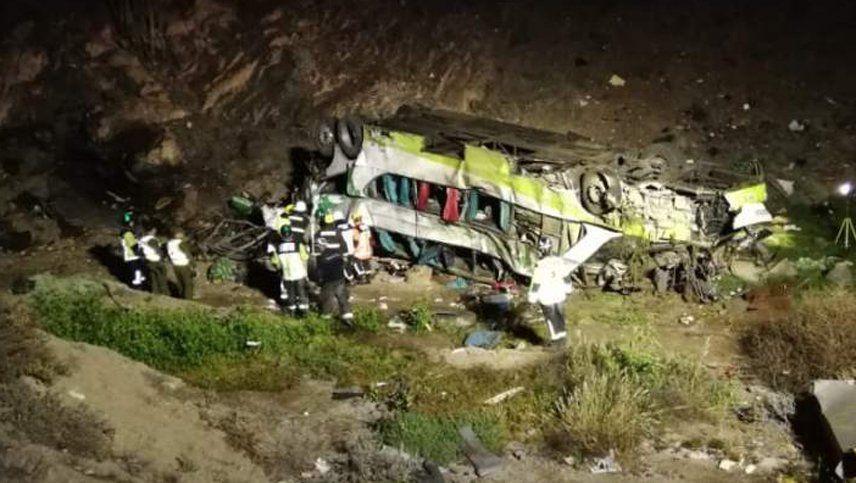 Otra tragedia en un Turbus: 20 muertos tras desbarrancar en Antofagasta
