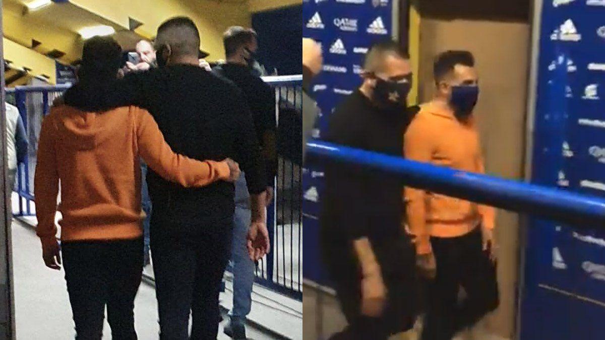 Tevez y Riquelme se fundieron en un abrazo