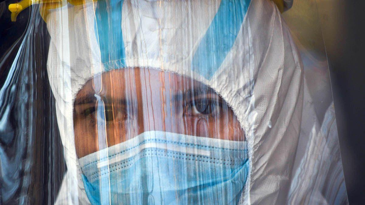 Salud de la Nación informó este lunes por la mañana un promedio diario de 10.161 casos de coronavirus en los últimos siete días en la Argentina.
