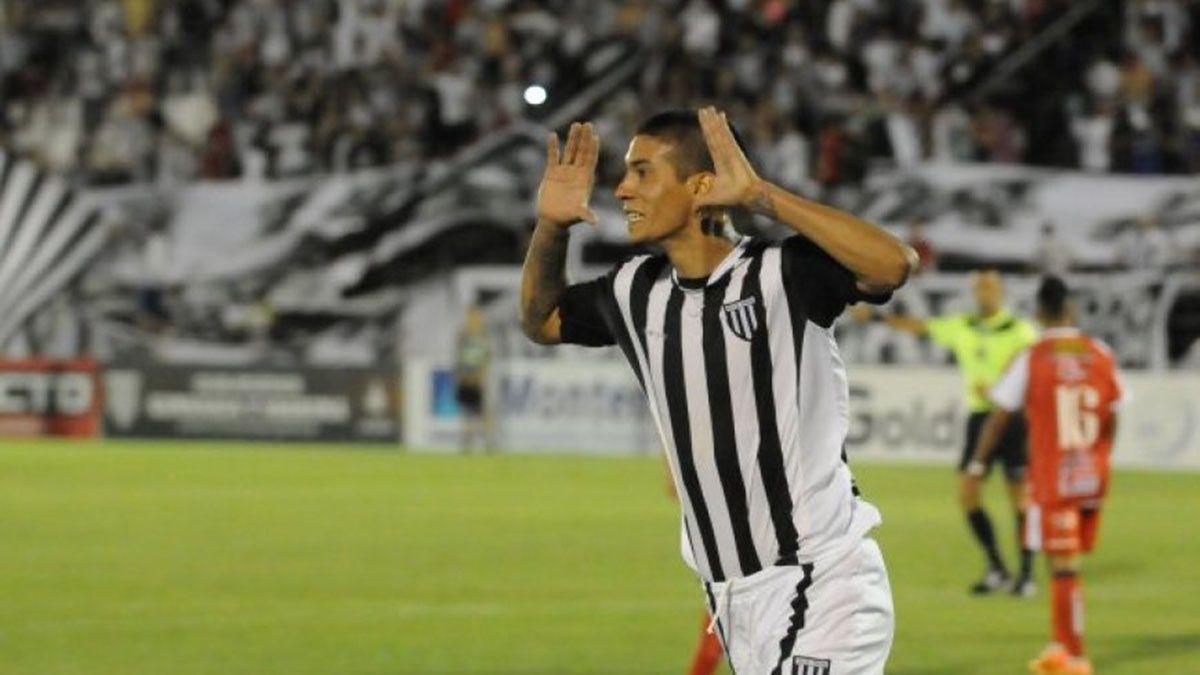 Pablo Palacios Alvarenga tiene muchas ganas de volver al Lobo.