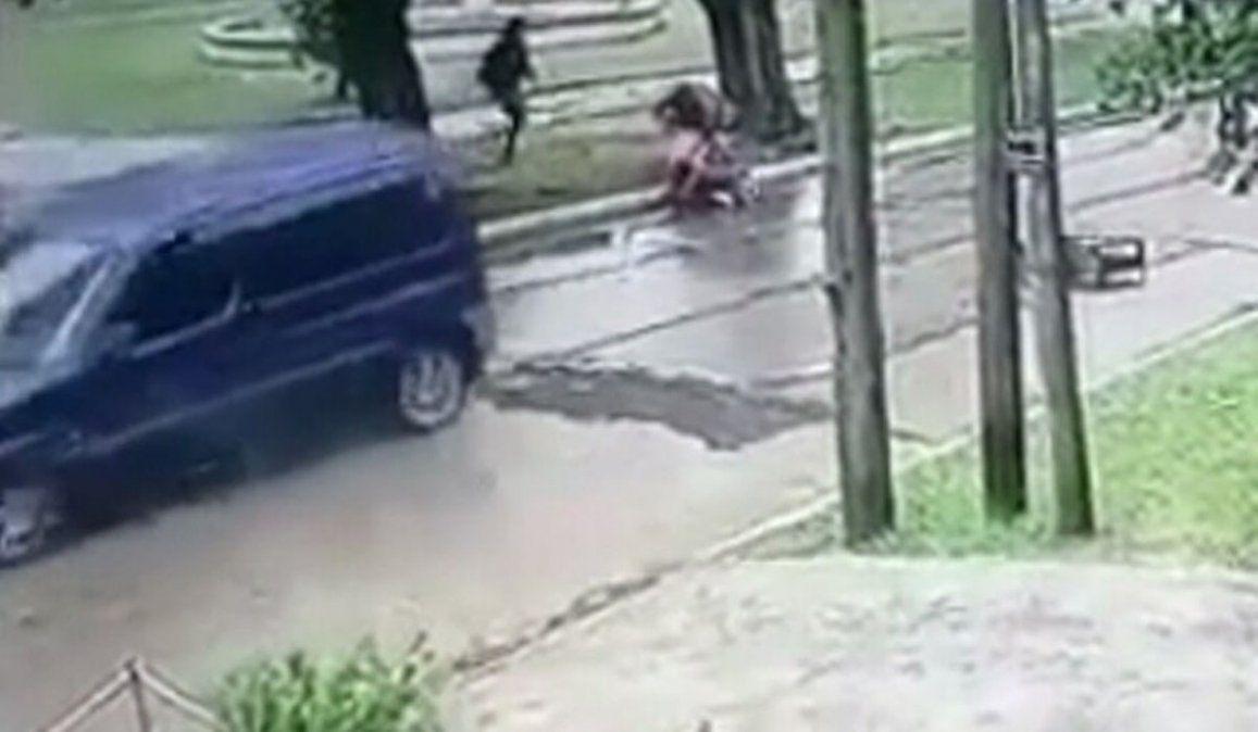 Video: dos chicas se salvaron de un secuestro gracias a la alarma vecinal