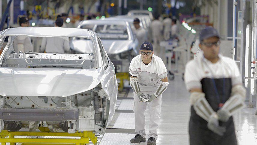 Se fabricaron muchos menos  autos en 2019 respecto al año anterior