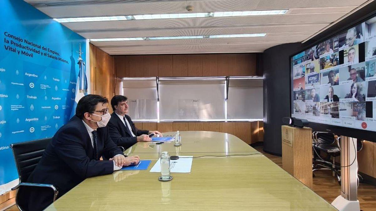 Claudio Moroni durante la úlitma reunión del Consejo que fijo el salario mínimo actual.