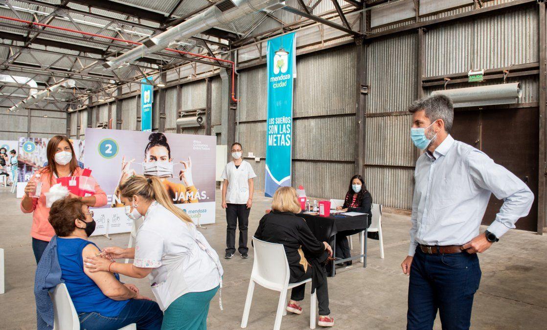 Vacunación por Covid en Mendoza: abrió la inscripción para mayores de 55 y mayores de 18 con comorbilidades