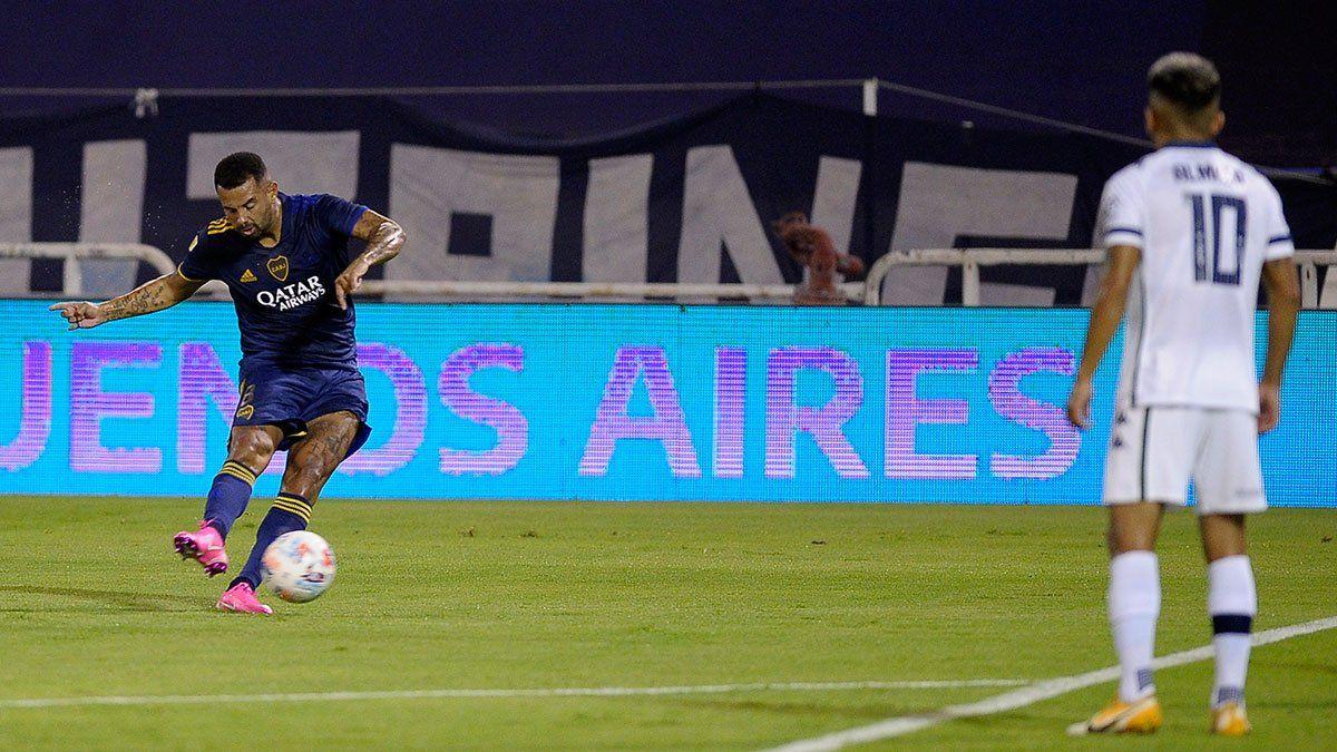 Edwin Cardona y otro maravilloso gol de tiro libre