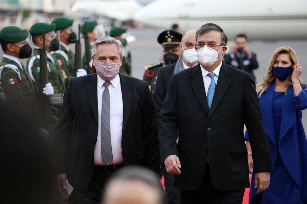 El presidente Alberto Fernández llamó a fiscales y jueces a dejar la payasada del Vacunatorio Vip (SIC) y le pidió investigar los negocios de Macri. Foto: NA