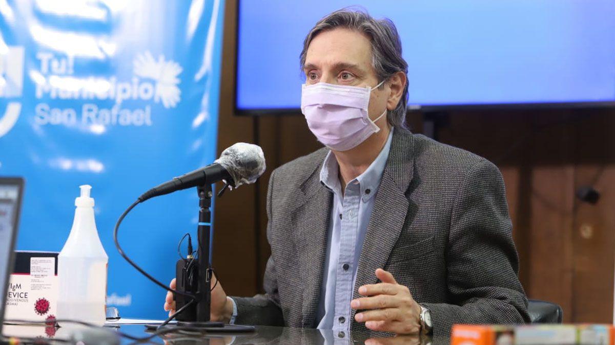 Emir Félix pidió a Suarez pasar a la virtualidad a las escuelas secundarias. El gobernador responderá el viernes.