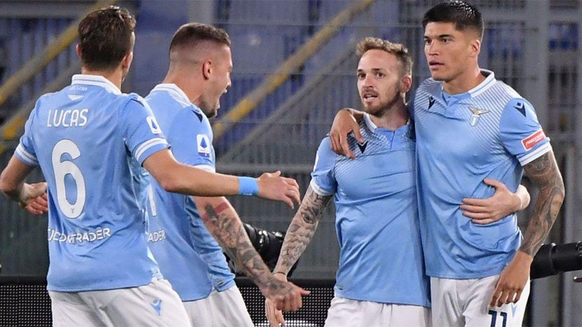 Lazio goleó a Milan con un doblete de Joaquín Correa