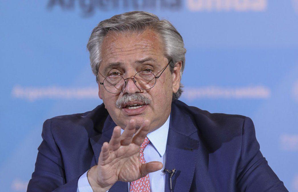 El Presidente Alberto Fernández anunció el viernes que Mendoza y otras provincias deberán imponer restricciones para frenar la ola de contagios de coronavirus.