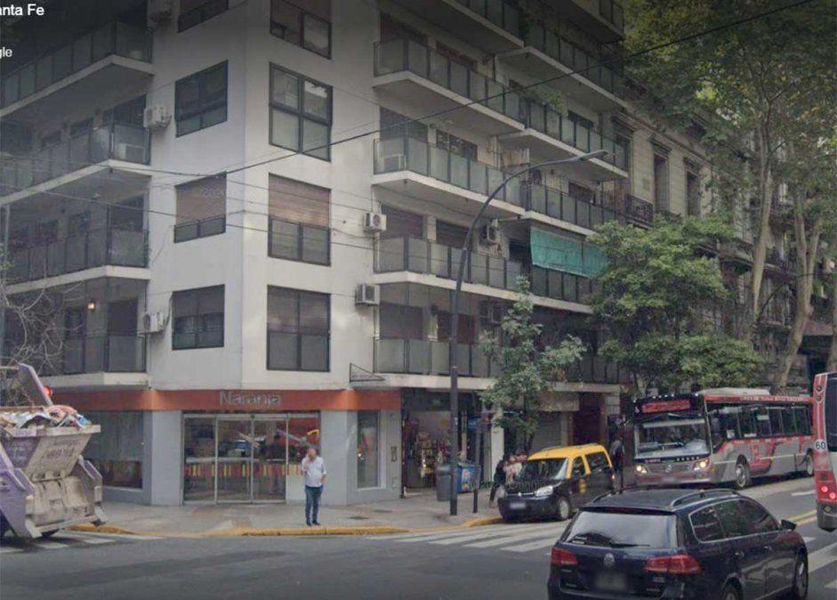 Investigan si fue un accidente: una empleada doméstica de 47 años murió al caer por el hueco del ascensor de este edificio del barrio porteño de Palermo.