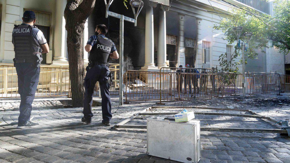 Fotos y videos: los daños después de la marcha por Florencia