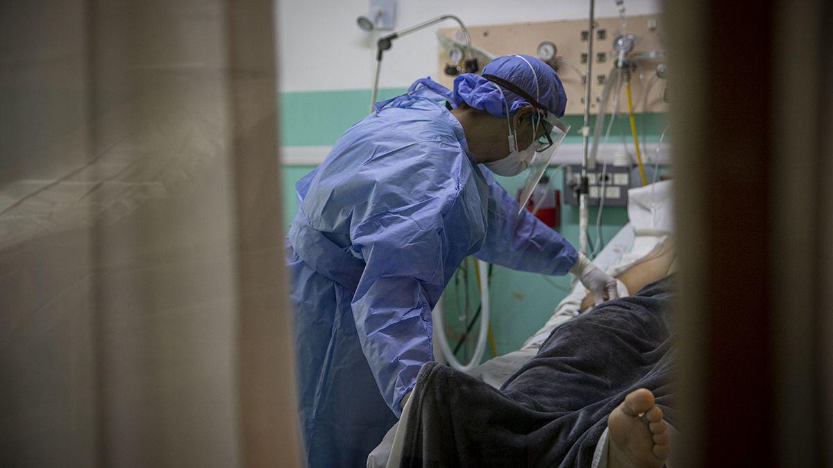 El total de muertos por covid desde el inicio de la pandemia suman 99.640.